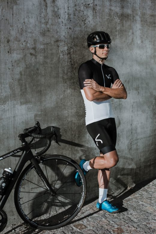 strój kolarski dla meżczyzny od Velcredo 520x780 - Koszulka kolarska męska ULTRANERO